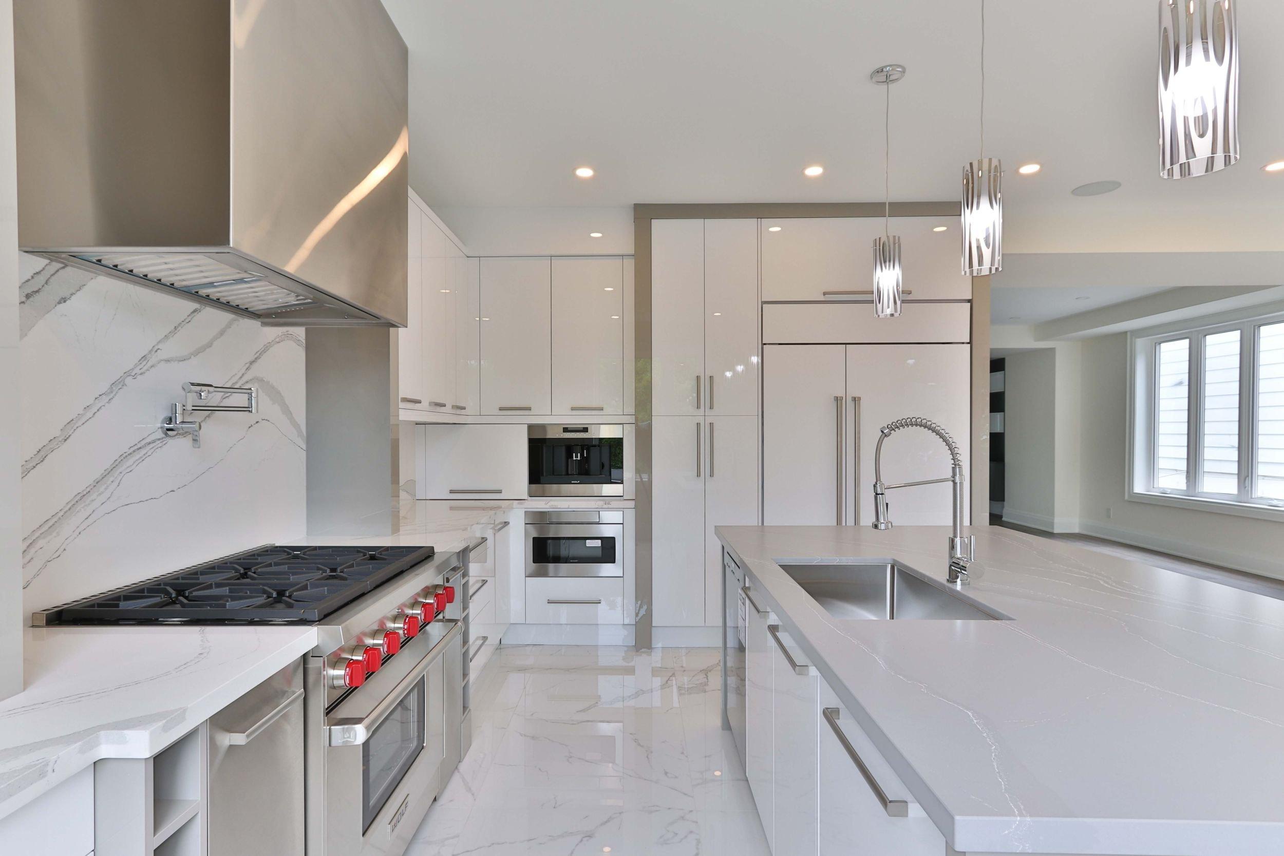 glossy kitchen cabinets